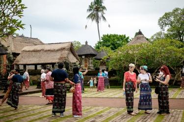 V chrámu