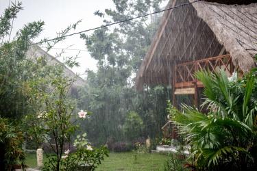 Trochu prší :)