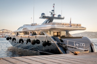 Mado (Decante) jachta
